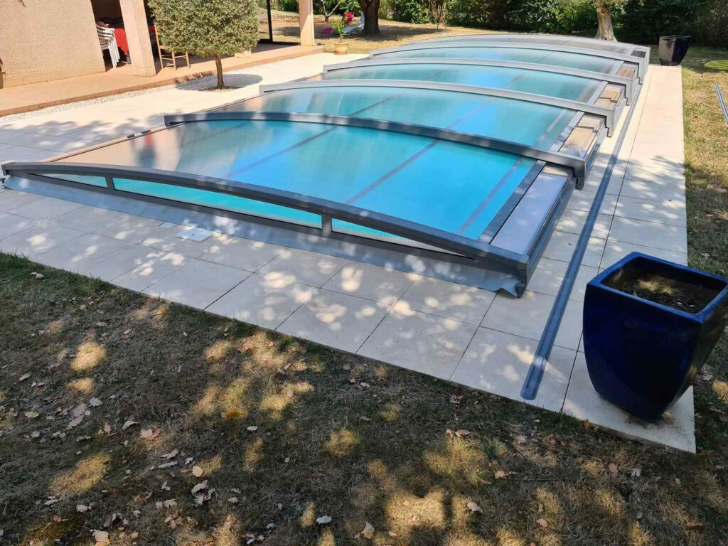 Fabrication des abris piscine